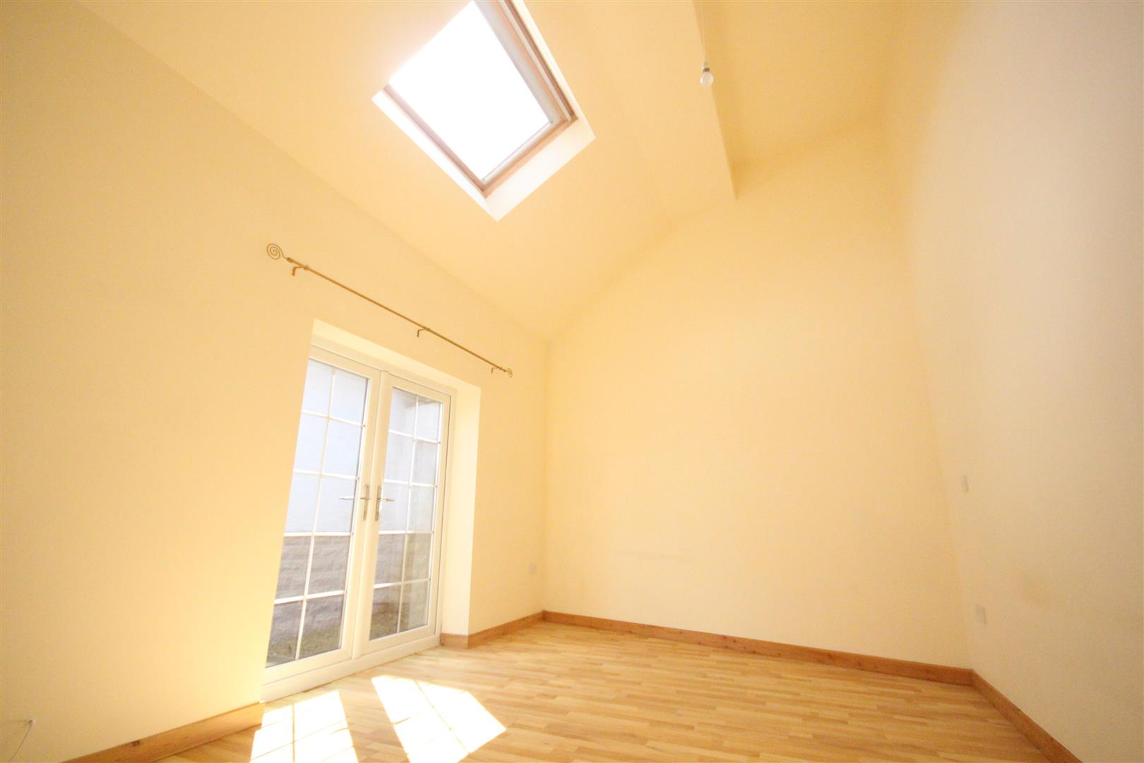 2 bedroom bungalow For Sale in Colne - IMG_3326.jpg